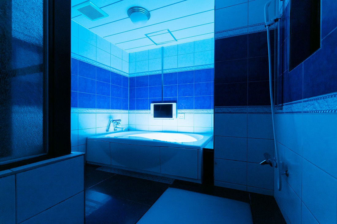 ホテルペリエ203号室の浴室
